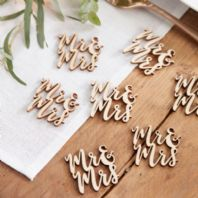 Wooden Table Confetti - 'Mr & Mrs'